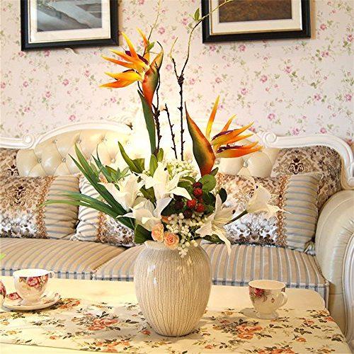 Centro de cerámica con flores artificiales