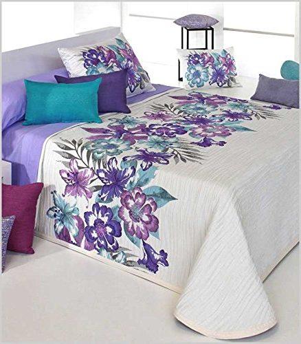 COLCHA BOUTI CLERI Con Flores malvas y azules-sobre fondo blanco
