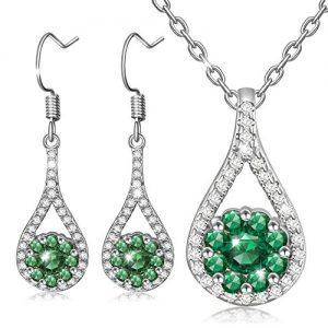 Colgante y pendientes verdes piedras circonitas