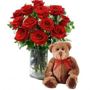 Ramo de 12 rosas rojas y osito de peluche
