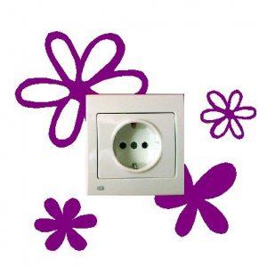 Pegatina decorativa flores moradas para interruptor o enchufe