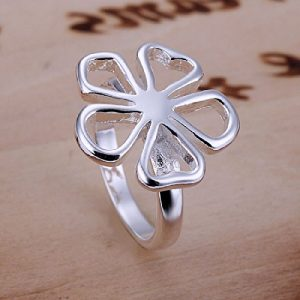 Anillo chapado en plata con forma de flor